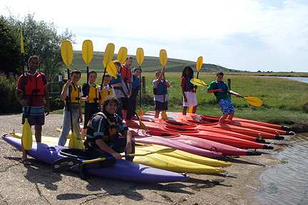 teenagers canoeing