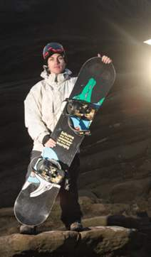 Tom Farrow, professional snowboarder gains snowboarding instructor qualification