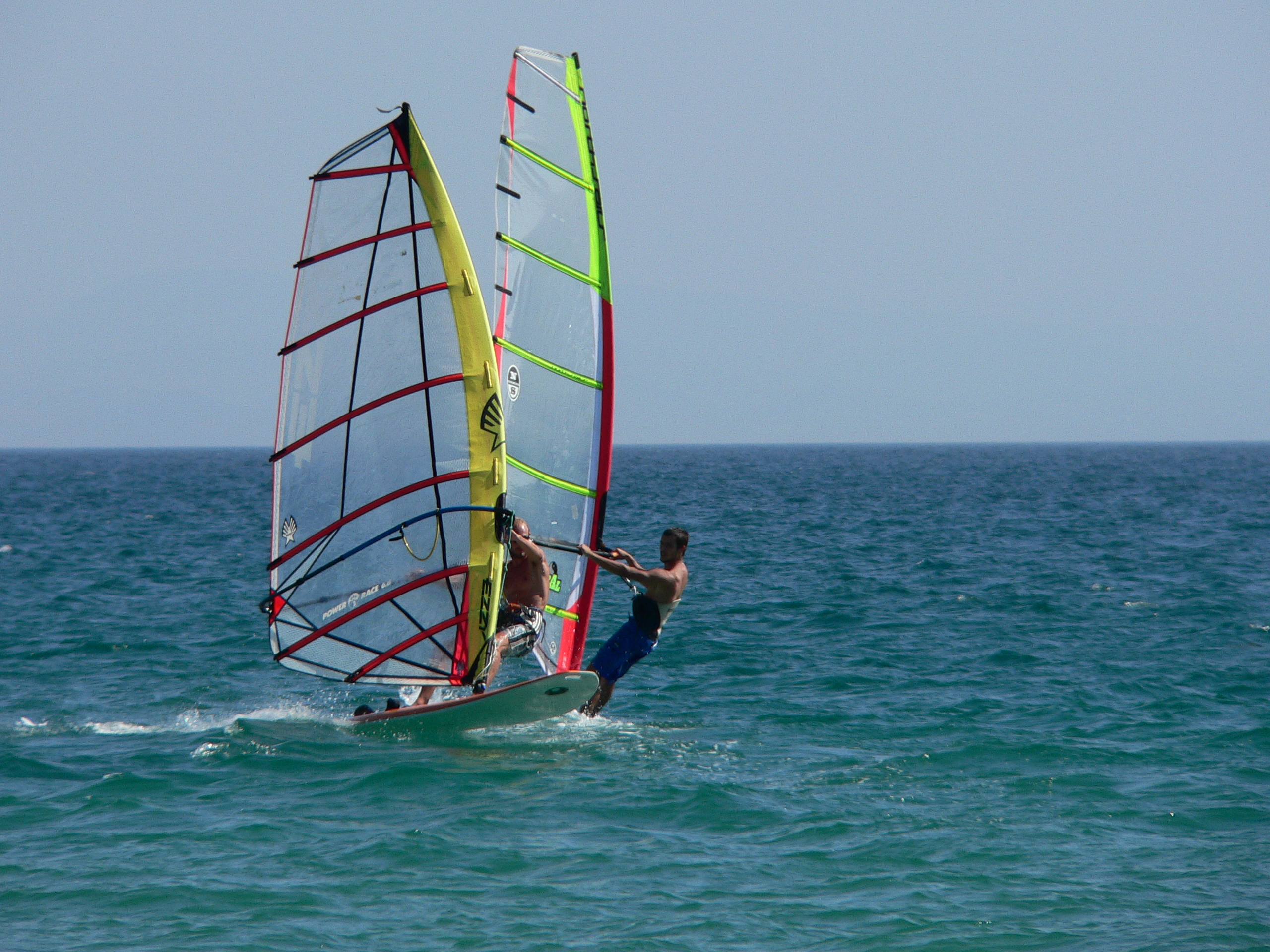 learn to windsurf on holidays