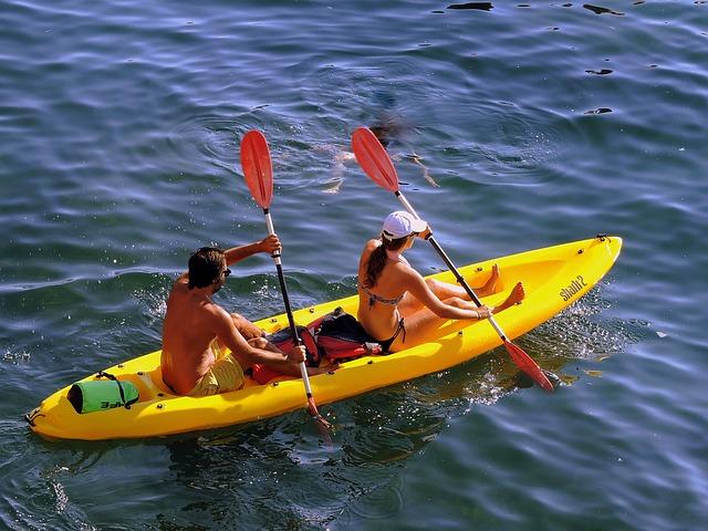 boyfriend and girlfriend canoeing