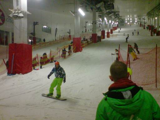 Snowboarding indoors on real snow at Milton Keynes Snozone