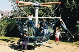 Basket Spinner Climbing Roundabout playground equipment for teens