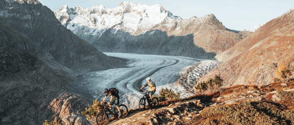 3 e-bikes on the glacier haute route in the French Alps